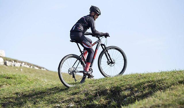 _________________  CATCH  THE  MOMENT _________________  #ridemem #memrideinstyle #cyclingapparel #memracingteam #ridewithstyle #workhard #cyclinglife #instacycling #igerscycling #cyclingcommunity #cycling #cyclingkits #cyclinglifestyle #cyclingpassion #wymtm #mountainbike #cyclingtips #cyclingphotos #bikeporn #bikelife #kitwatch #kitoftheday #kitfitcycling #igerscycling