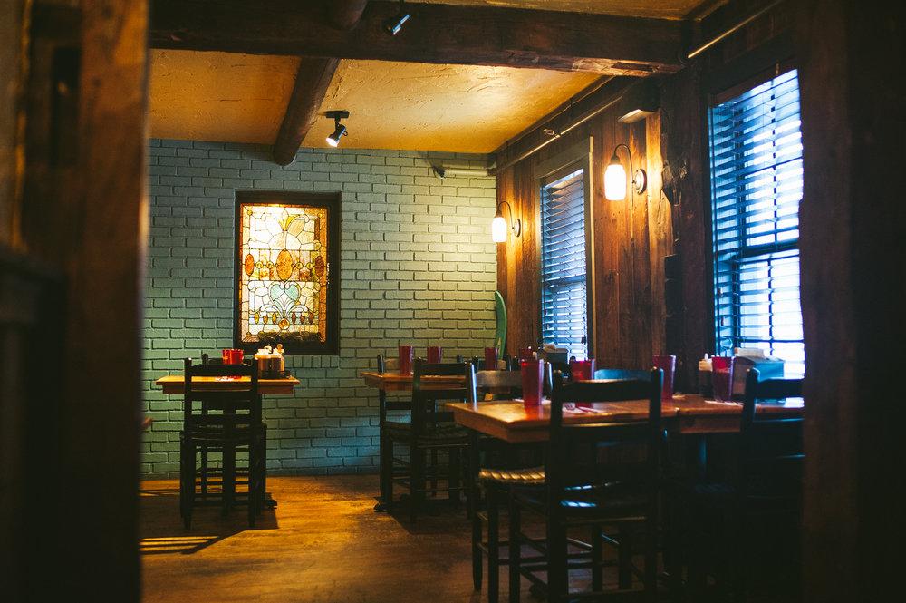 Bluebird BBQ | Dining Room