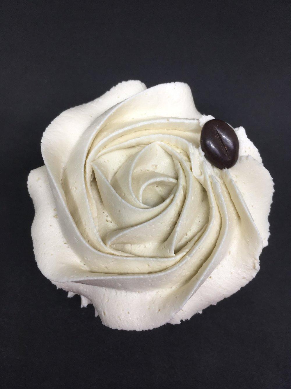 Vanilla Latte - A vanilla cupcake with a sweet latte flavoured buttercream. Optional caramel sauce filling