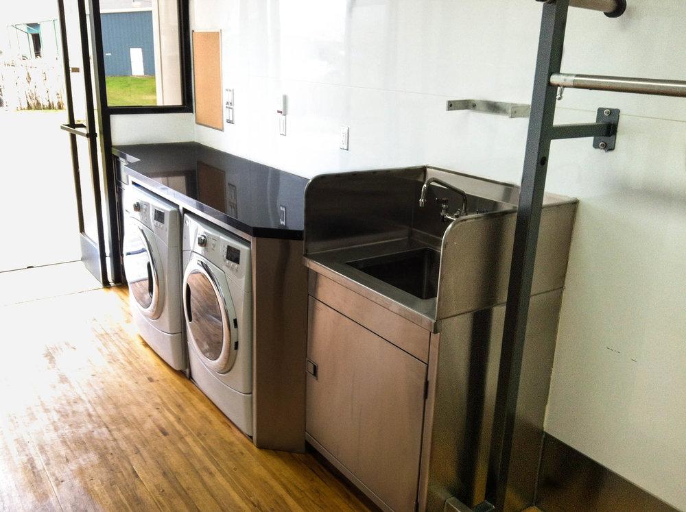 Wardrobe 1 Int - Washer-Dryer.jpg