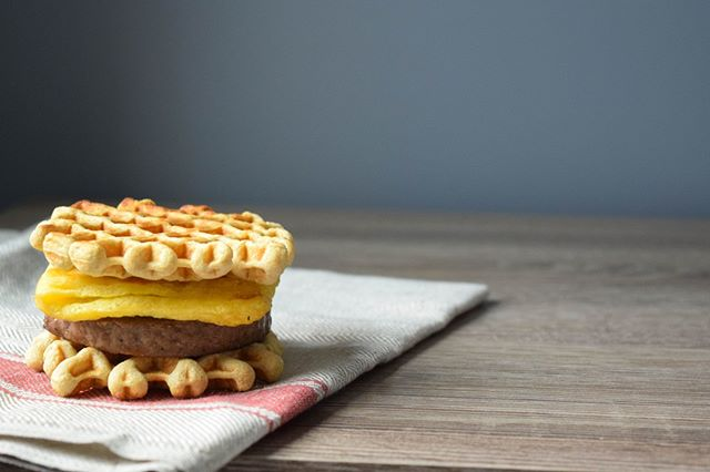 We're just trying to beef up our Instagram account with some pictures of our photogenic beef waffle sliders.  #nofilter #americasnexttopmodel #naturallighting • • • #startright #highproteinwaffles #highprotein #glutenfree #gfwaffles #glutenfreeliving #glutenfreelife #glutenfreestl #toasterwaffles #wafflebuns #wafflesliders #breakfast #healthybreakfast #healthyeats #bfhealth #eeeeats #convenient #healthylifestyle #proteinwaffles #highproteinlowcarb #beef #delicious #yummy