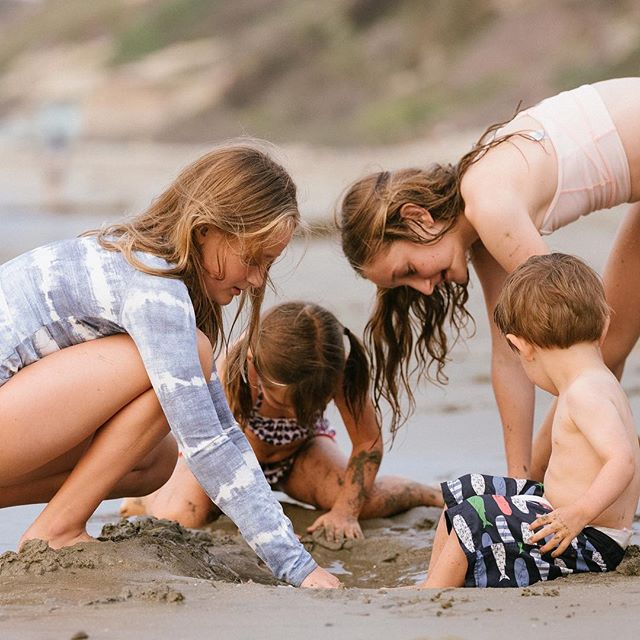 had a ball photographing this family enjoying an afternoon at the beach #familyphotography #socalfamilyphotographer #candidchildhood @ncolich