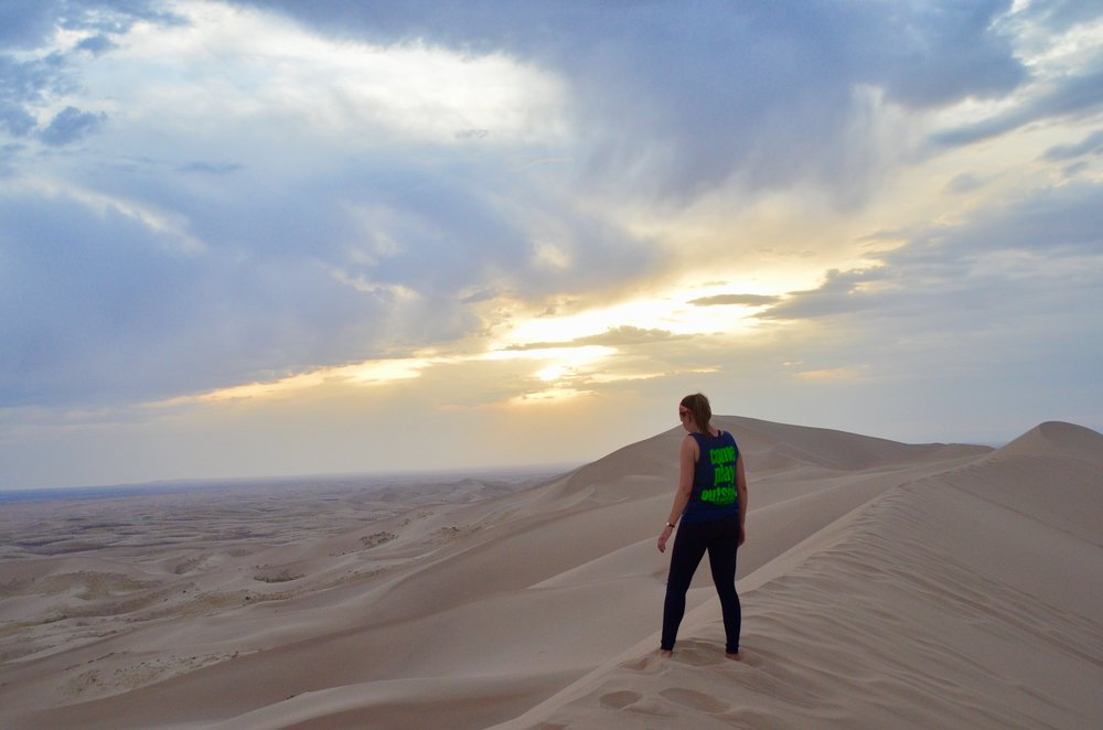 Hiking-the-Dunes-Gobi