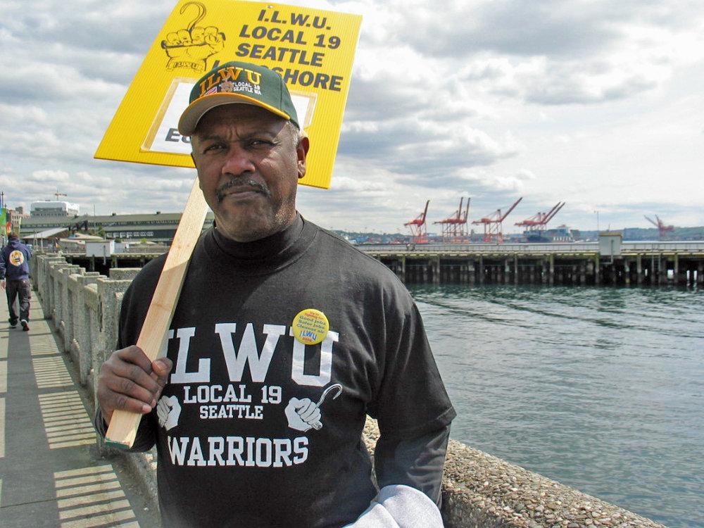 Wikimedia Commons,WikiGolightly,https://commons.wikimedia.org/wiki/File:Seattle_ilwu_19_longshore_worker_protests_iraq_war.jpg