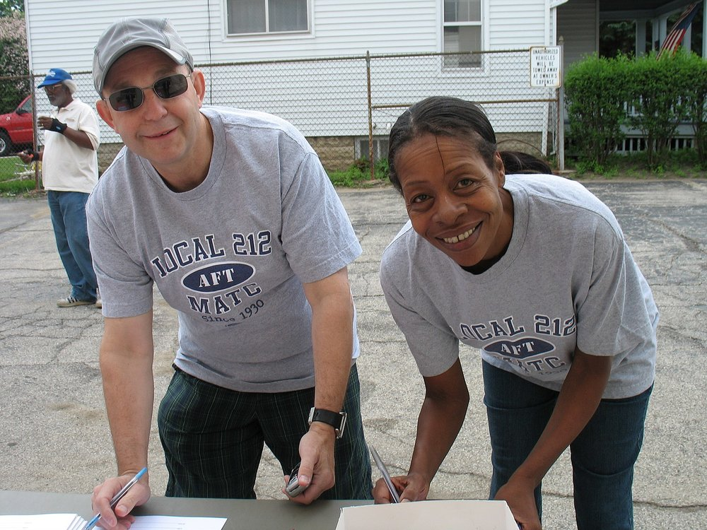 Photo: Milwaukee Labor Walk 2008, https://commons.wikimedia.org/wiki/File:WI_Milwaukee_Labor_Walk_06.21.2008_(2603916475).jpg