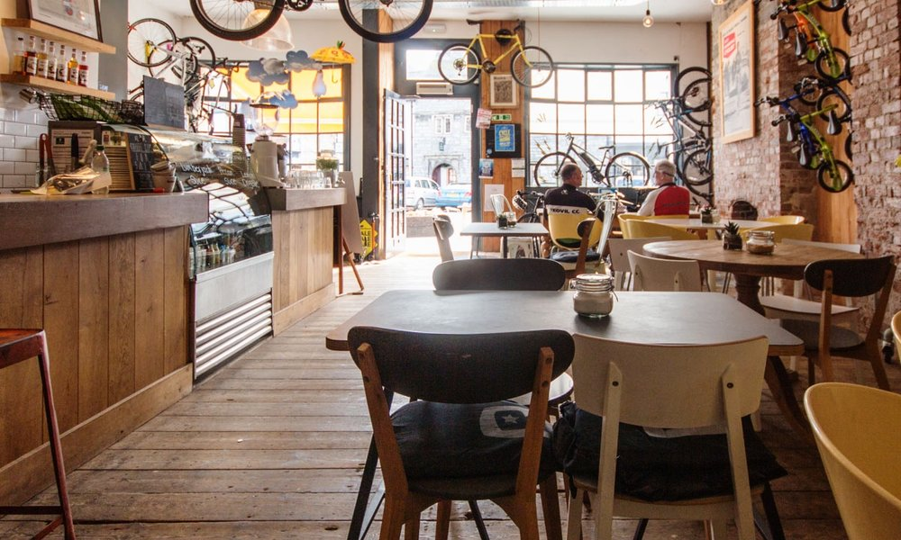 ROCKETS & RASCALS - Rockets & Rascals is where great coffee, beautiful bikes and yummy cakes come together in Plymouth. There's a great range of bikes for sale or hire, the workshop can handle any repairs and you can wash it all down with Plymouth's best flat white.01752 221295