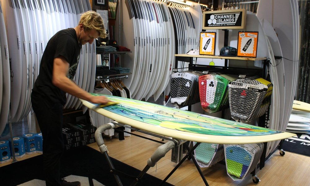 DOWN THE LINE SURF SHOP - The UK's premier stockist of surfboards for all abilities from the complete beginner to the experienced surfer. They'll get you in the water with their comprehensive range of wetsuits & surfing accessories fitted by friendly, knowledgeable and experienced staff. Surfboard, bodyboard & wetsuit hire available throughout the year.01736 757025