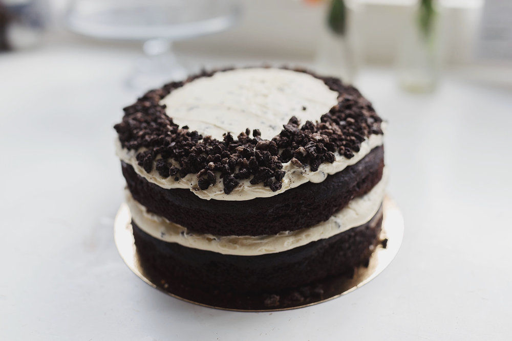Oreo chocolate fudge cake - Do you love our chocolate fudge cake, you will love our oreo chocolate fudge cake even more. It will serve up to 16 people and costs 37,50