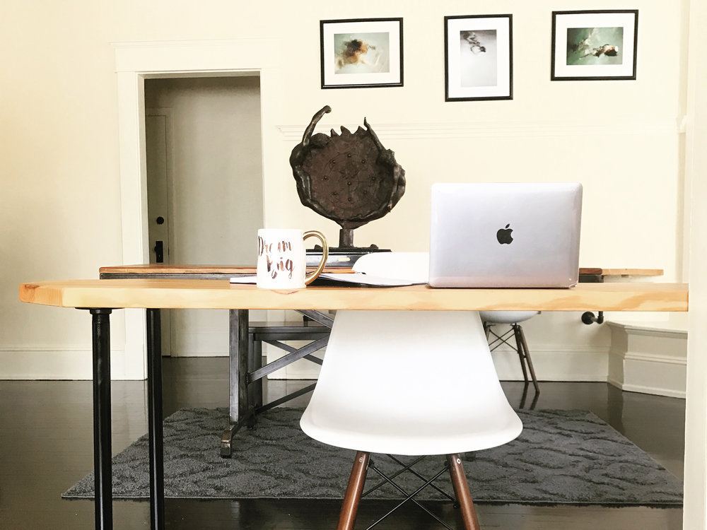 Co-working - Desk and meeting space