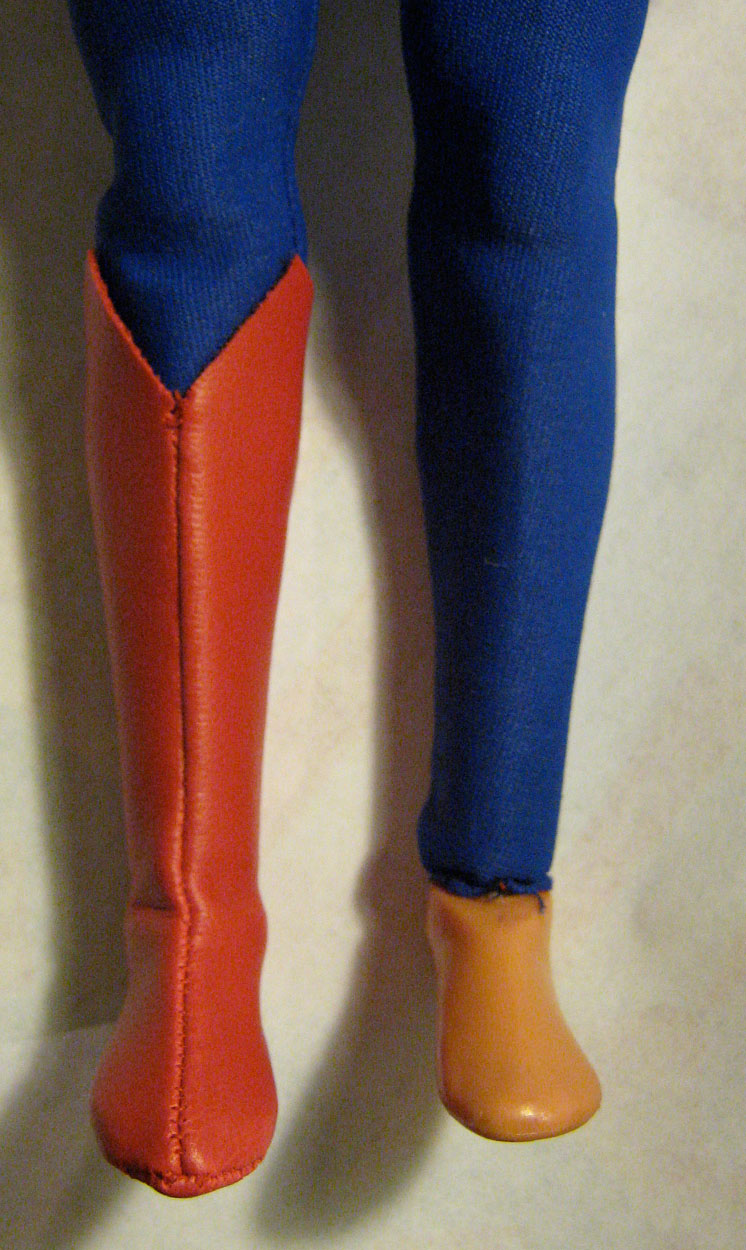 superman-miniature-figure-boot-002.jpg