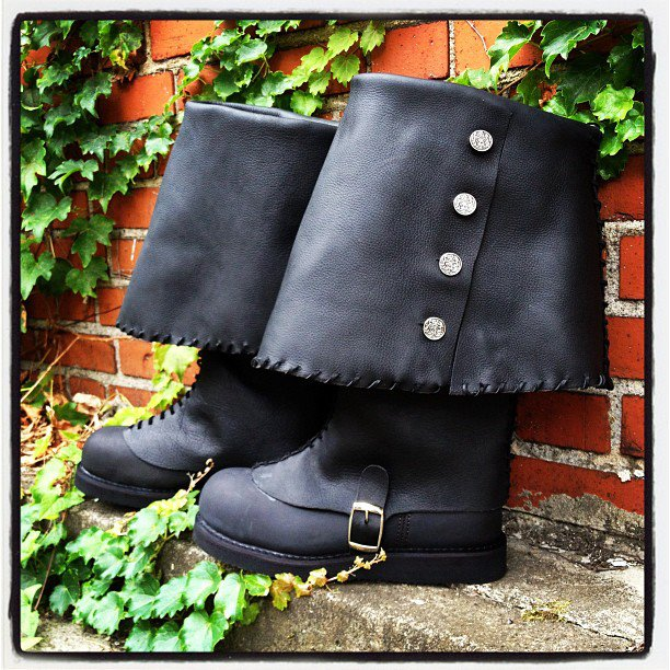 custom-leather-work-jen-rocket-pirate-boots