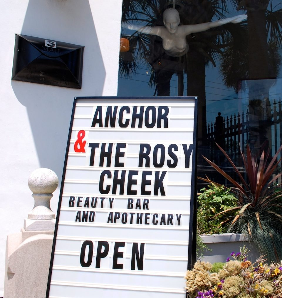 http://www.staugustinesocial.com/rosy-cheek-brings-beauty-bar-apothecary-uptown-st-augustine/