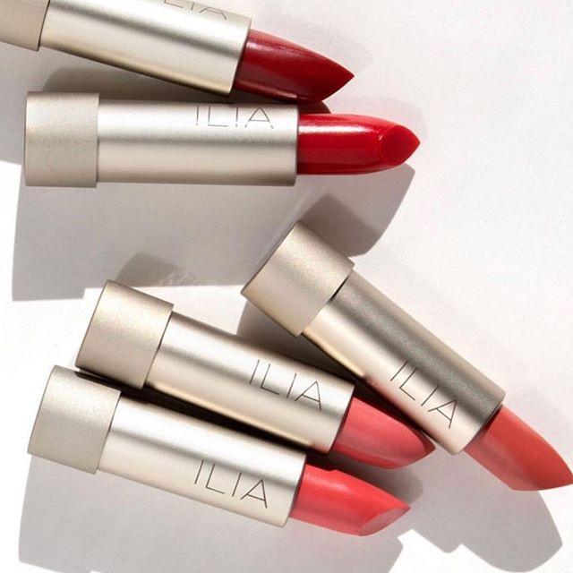 all lipsticks BOGO !!!! ❣️