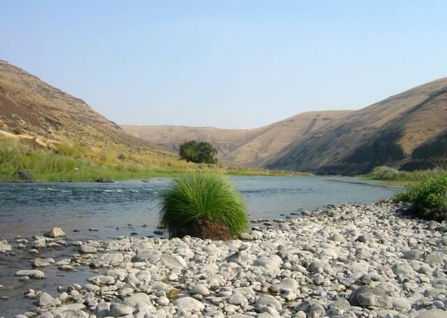 river_hike_7_op_640x456.jpg
