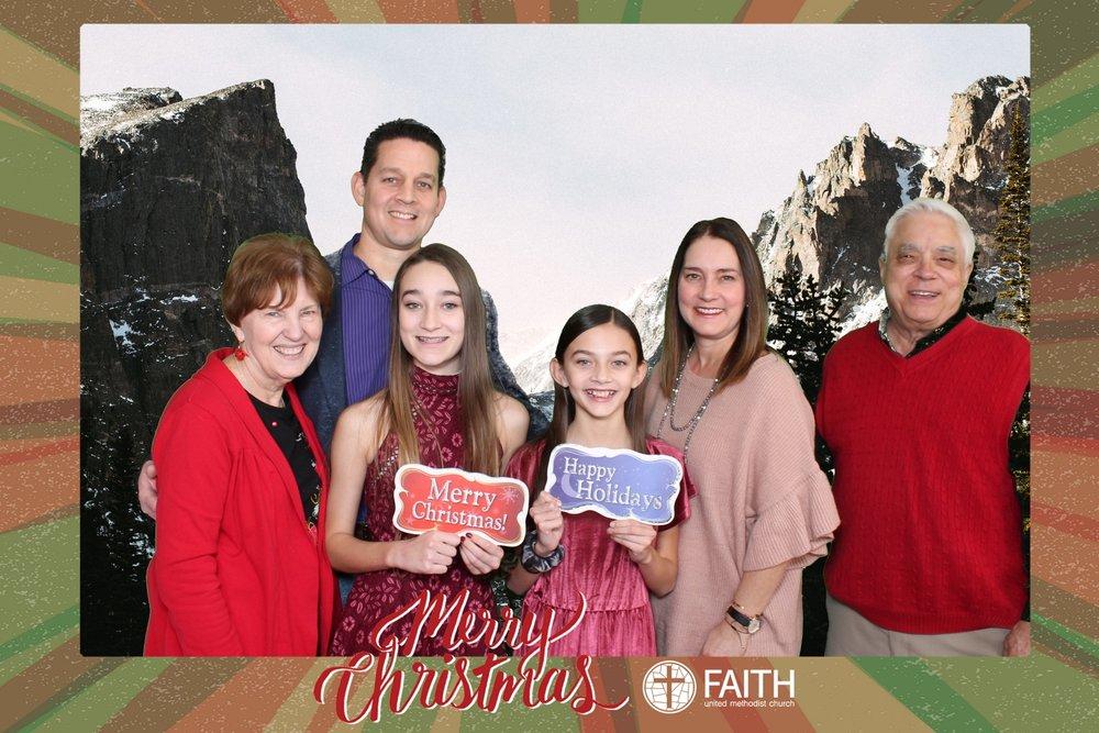 Faith2018_2018-12-24_15-36-50.jpg