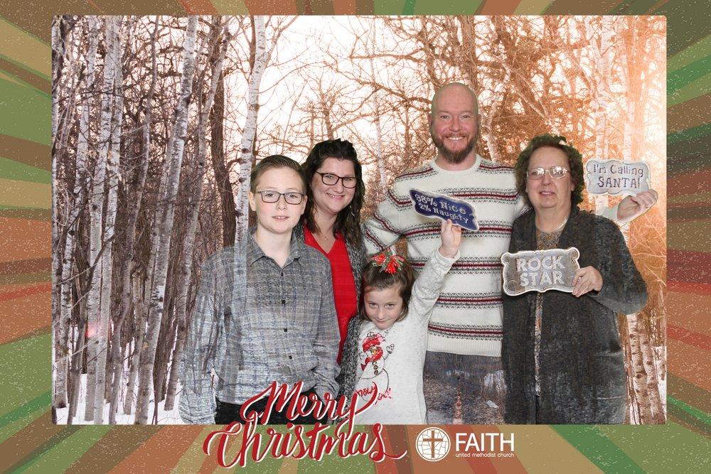 Faith2018_2018-12-24_16-40-00.jpg