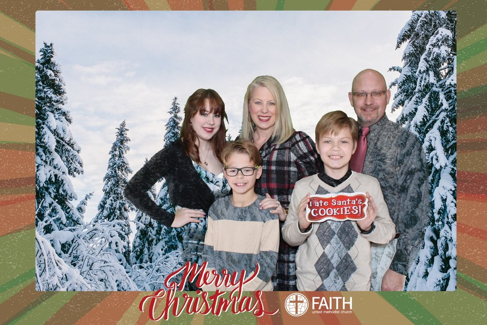 Faith2018_2018-12-24_16-40-33.jpg