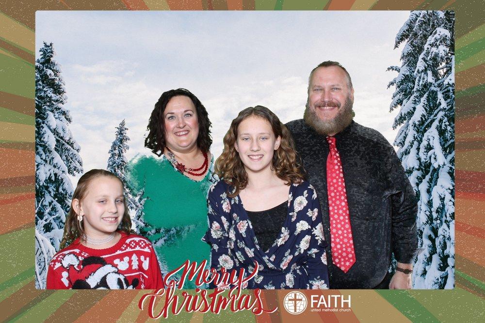 Faith2018_2018-12-24_16-57-20.jpg