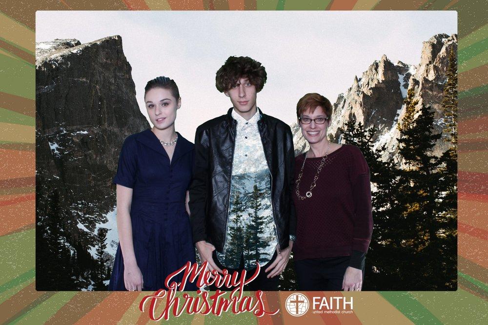 Faith2018_2018-12-24_17-22-39.jpg
