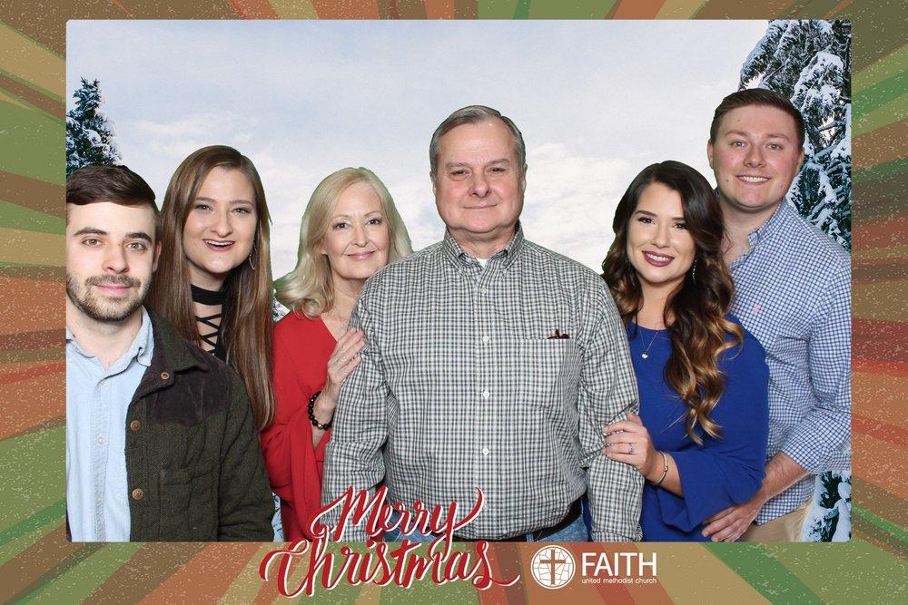 Faith2018_2018-12-24_17-29-52.jpg