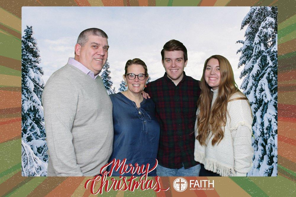 Faith2018_2018-12-24_17-35-38.jpg