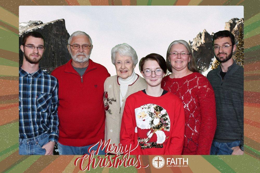 Faith2018_2018-12-24_18-49-58.jpg