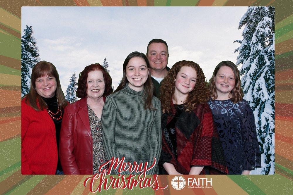 Faith2018_2018-12-24_18-52-48.jpg
