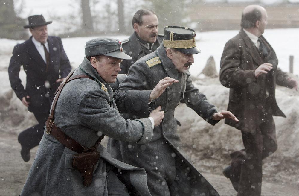 Erik Poppes film «Kongens nei» får fram hvor dramatisk det ble for kong Haakon VII (Jesper Christensen) og kronprins Olav (Anders Baasmo Christiansen) da de flyktet oppover Østlandet 9.-11. april 1940.
