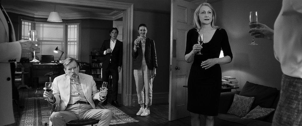 Skandale på skandale. I stolen sitter verten (Timothy Spall), blant gjestene sees Cillian Murphy, Emily Mortimer og Patricia Clarkson.