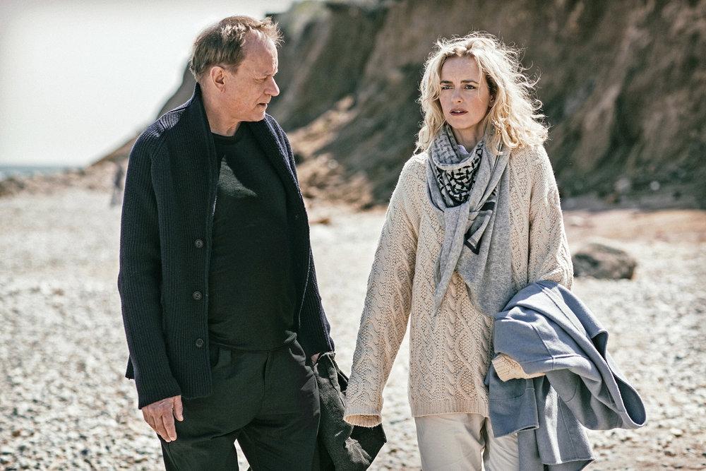 """Godt spill av Stellan Skarsgård og Nina Hoss i """"Return to Montauk"""" av Volker Schlöndorff."""