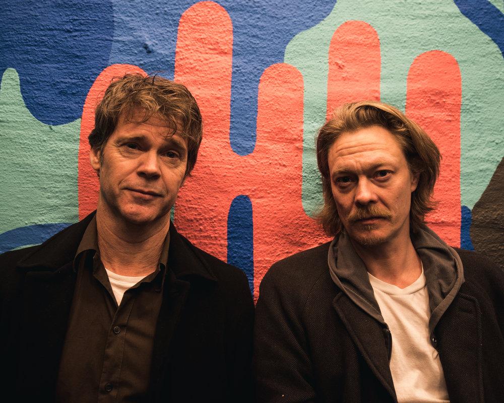 - Vi krangler masse, men jeg har stor tillit til regissør Arild Andresen, sier Joner. (Foto: Filmweb.no)