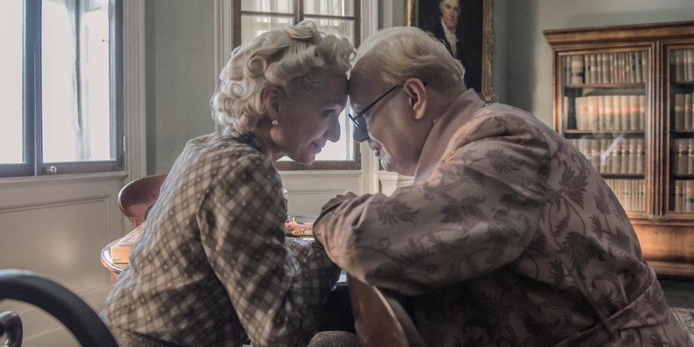 Churchill ble støttet av sin tålmodige kone Clementine, utmerket tolket av den erfarne Kristin Scott Thomas.