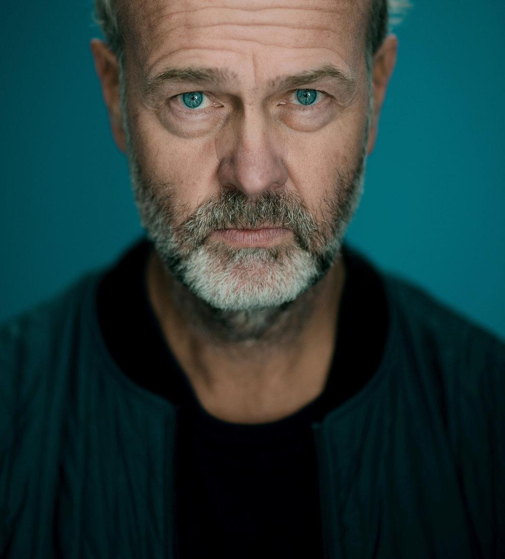 Regissør Erik Poppe vil gi ofrene ny oppmerksomhet.
