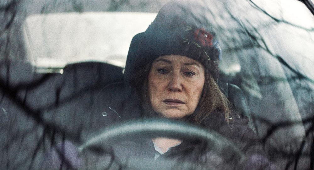 Diane (Mary Kay Place) er den lidende, selvoppofrende kvinnen som til slutt eksploderer.