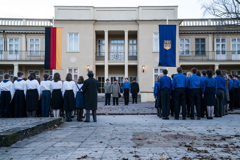 Elever som ikke adlyder, er stemples som fascister i DDR-staten.