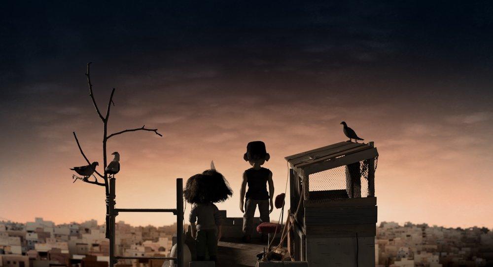 En onkel har fått tilnavnet Duegutten fordi han gjemmer seg på toppen av familietårnet med duene sine.