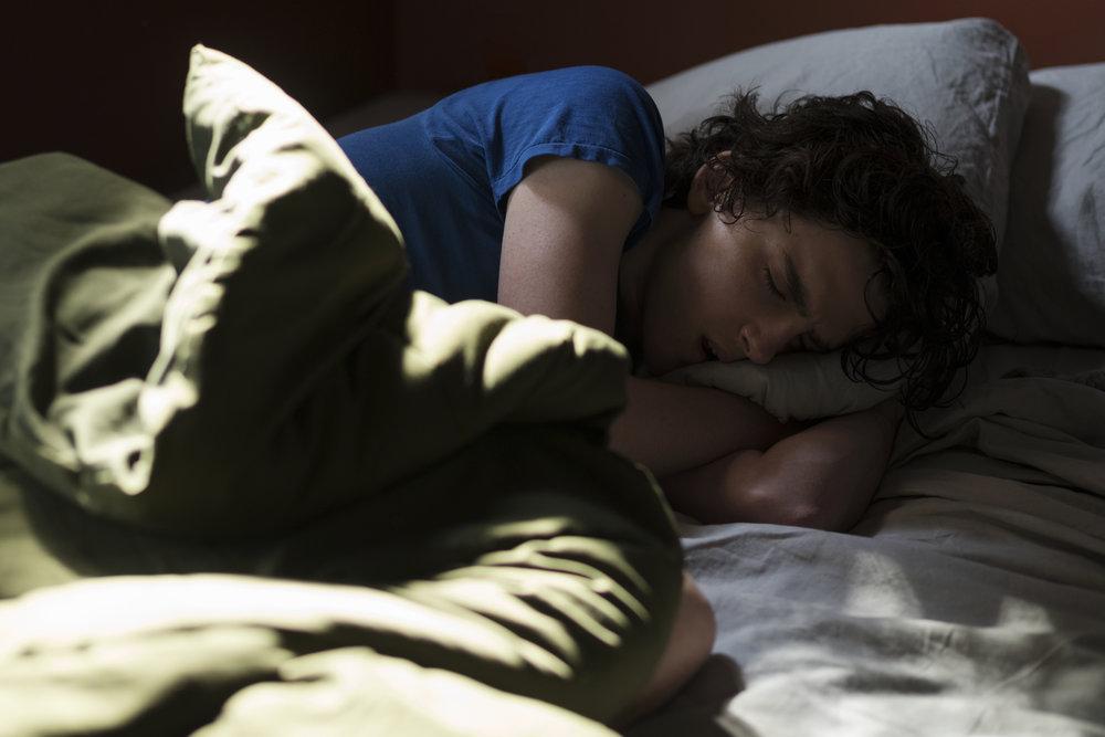På grunn av stoffmisbruket slutter Nic å fungere som den våkne, opplagte tenåringen han var.