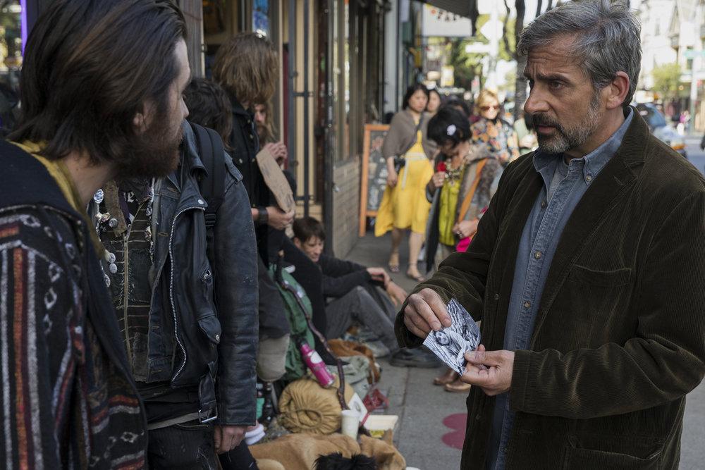 Faren David (Steve Carell) på leting etter Nic i byens rusmiljø.