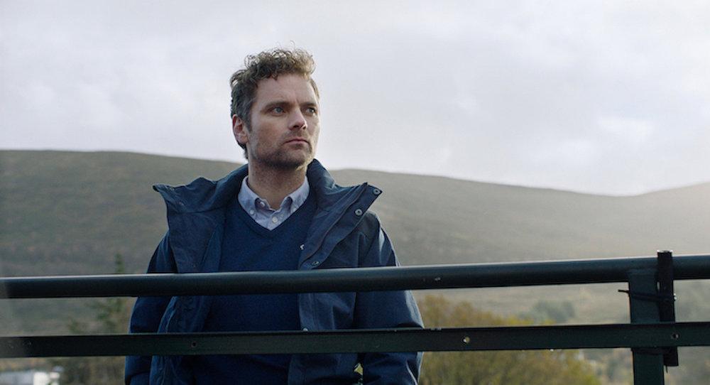Skuespiller Morten Svartveit skaper den mest rørende skikkelsen av alle i sesong 2. Han får oss til å juble med Espen, men sannelig også å felle en tåre for ham.