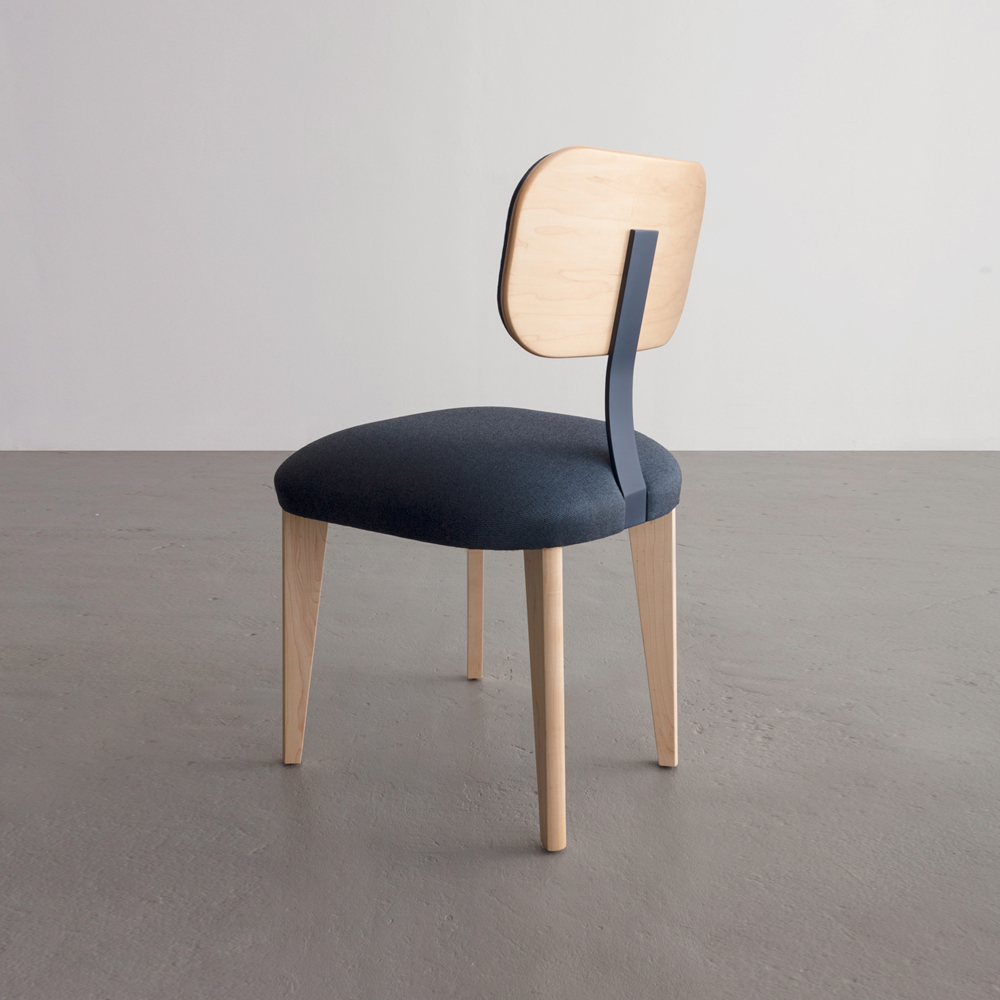 Singer Chair in maple and blue cotton