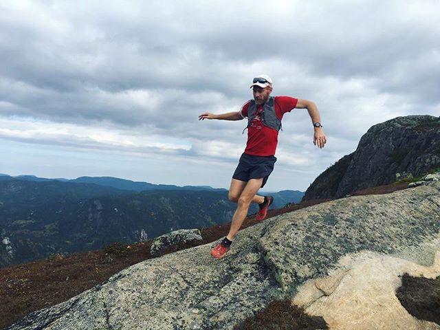 800 mètres d'élévation! Toujours plus haut!  #stayhumbleridebig #innovationmontagnelab #charlevoix #sepaq #reseauzec #quebec