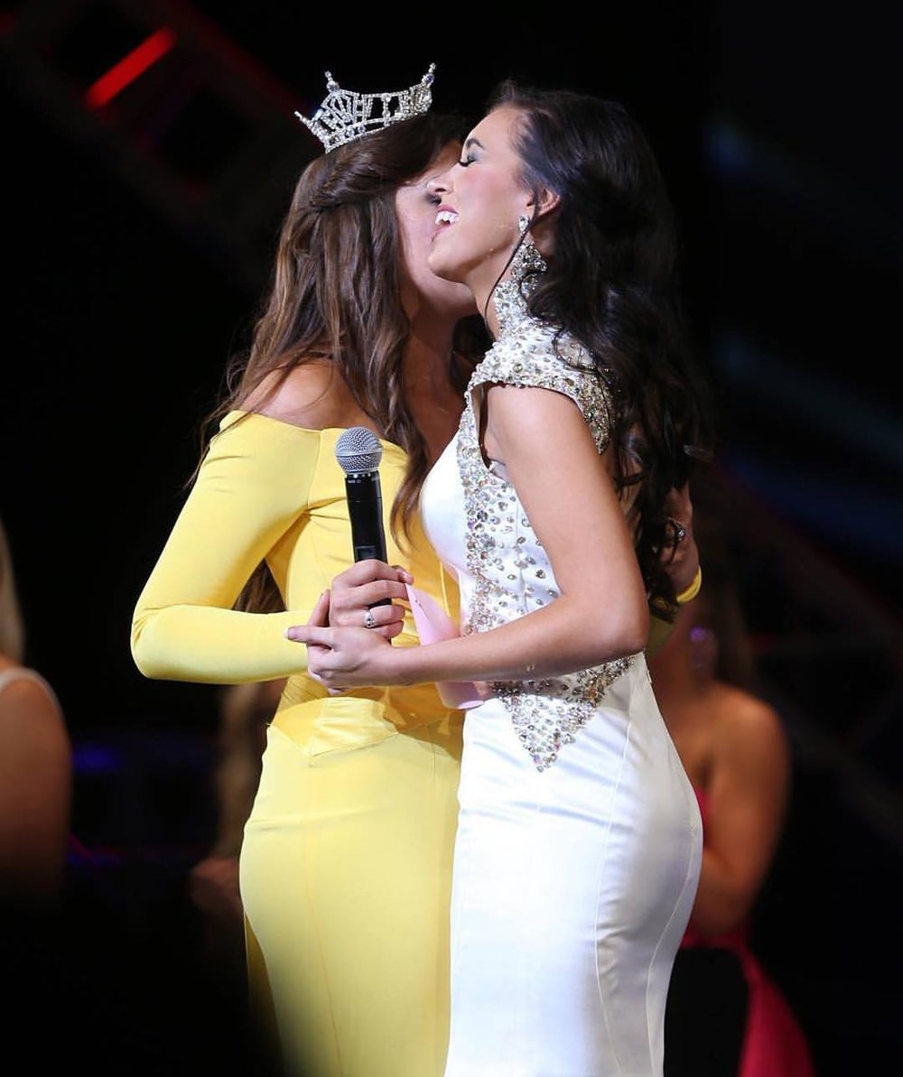 Mitchell recognized at the 2016 Miss Virginia Awards Ceremony