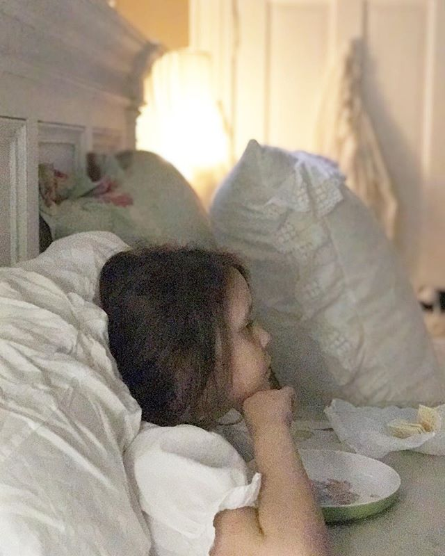 It's been a very long time since this little girlie has had the dreaded stomach bug...so we're nibbling saltines and watching Little Bear and laying low. Have a blessed Monday, friends🌸 #rosewatercottage #rainydaysandmondays #stomachvirusisnofun #nothinglikegrammysbed and a #bedtraytable