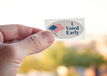 Expanding early voting is a common-sense reform that makes voting more accessible for all citizens.Source: Flickr