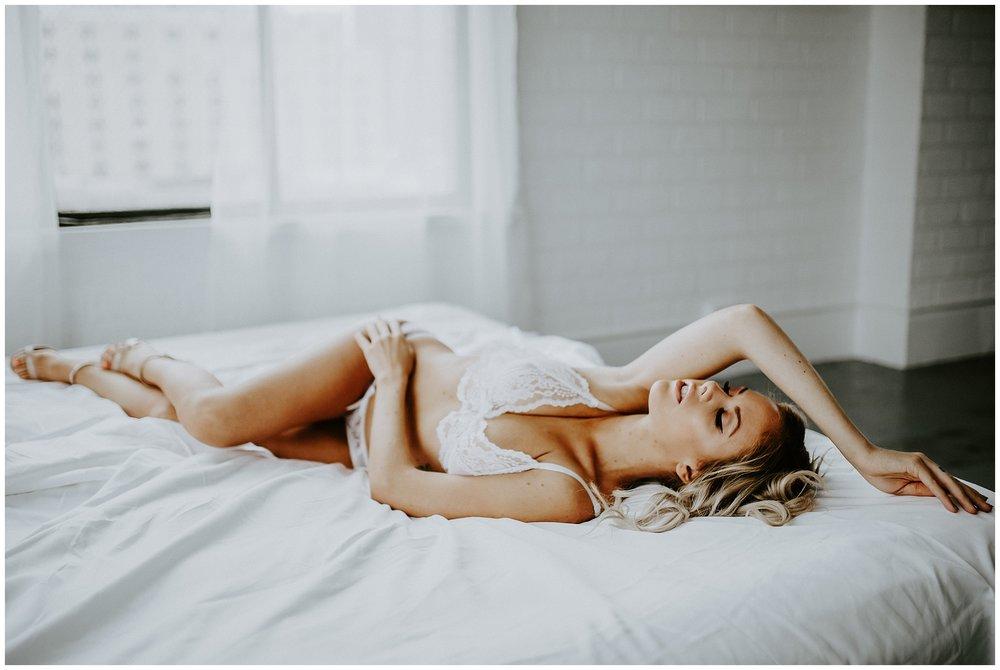 vancouver-boudoir-photographer-009.JPG