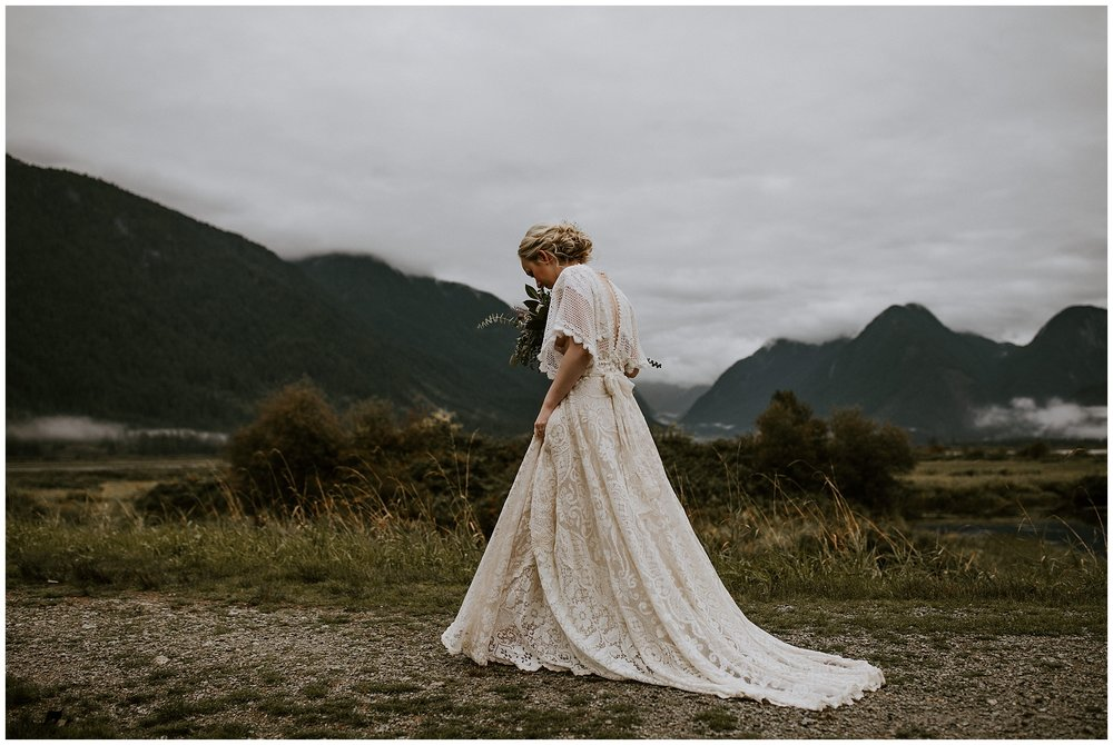 pitt-lake-advenutre-elopement-british-columbia-003.JPG