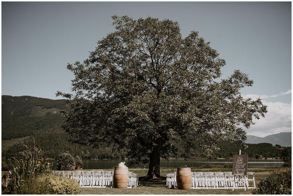 rowenas-inn-on-the-river-wedding-018.JPG
