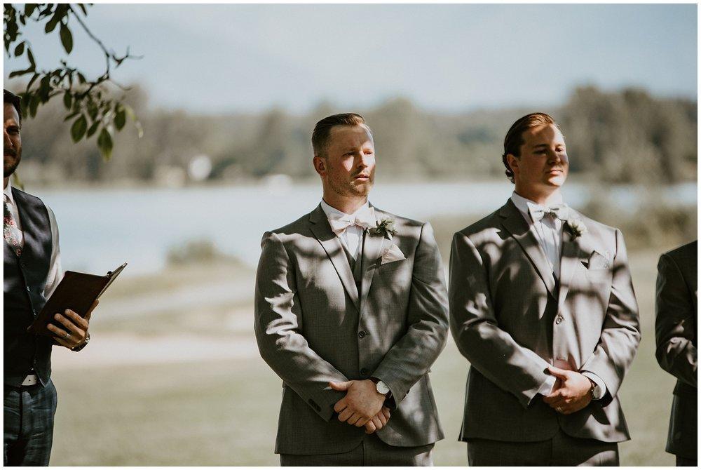rowenas-inn-on-the-river-wedding-025.JPG