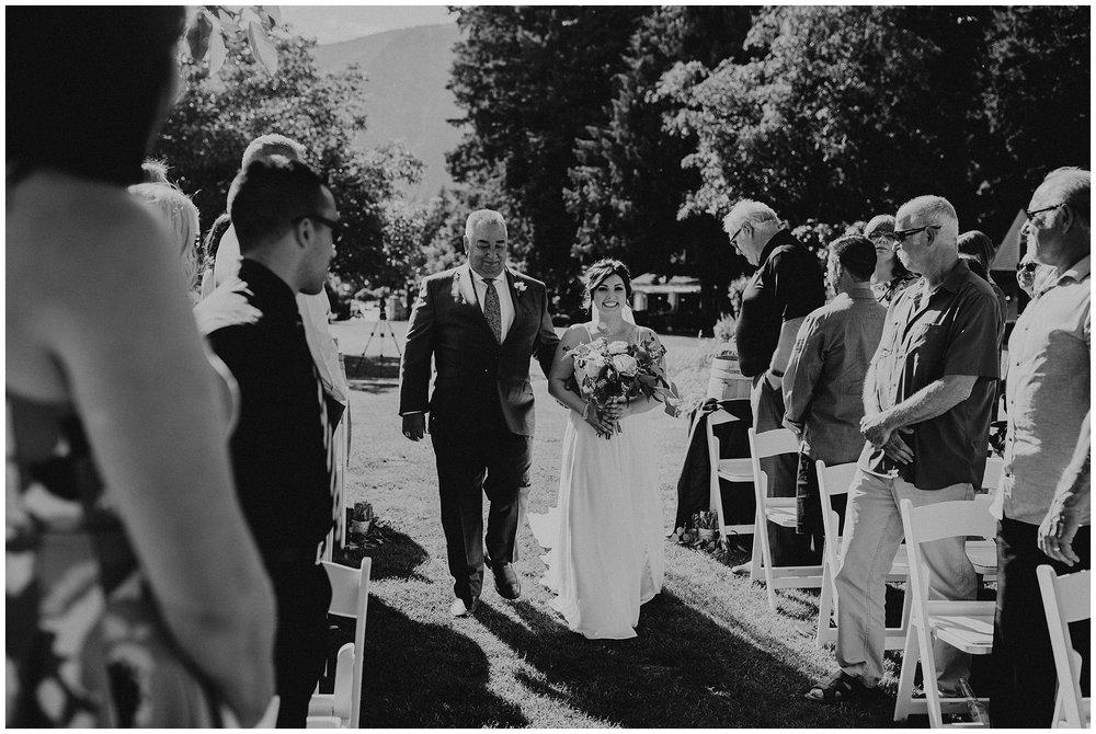 rowenas-inn-on-the-river-wedding-029.JPG