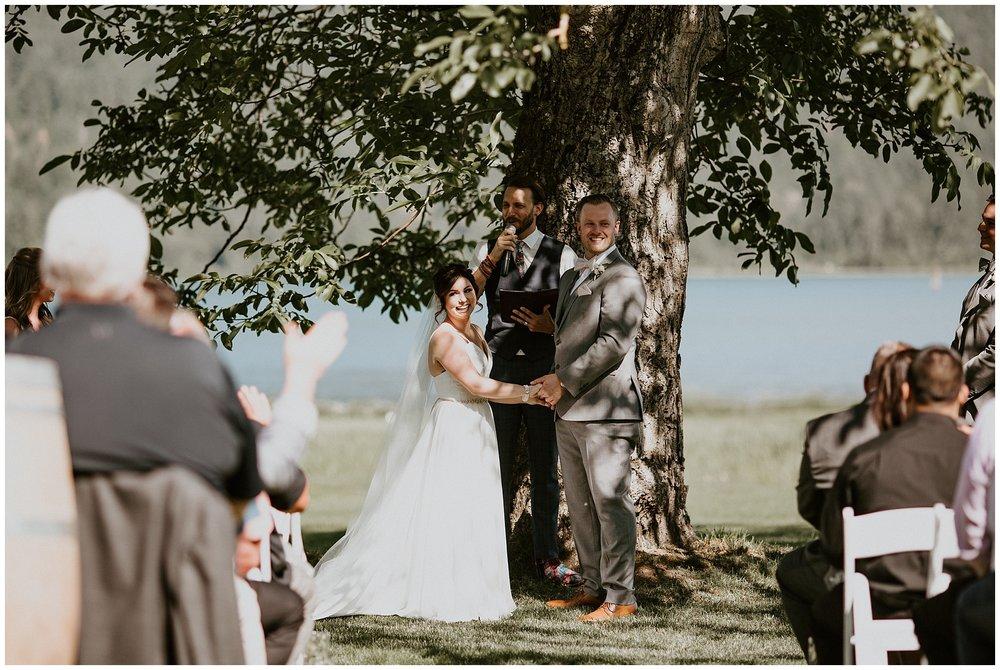 rowenas-inn-on-the-river-wedding-030.JPG